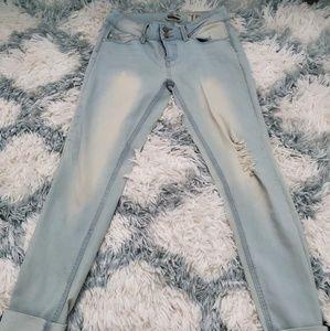 Indigo Rein juniors distressed cropped jeans
